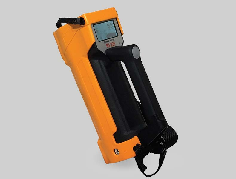 RS-220 Handheld Isotope Identifier Product Photo